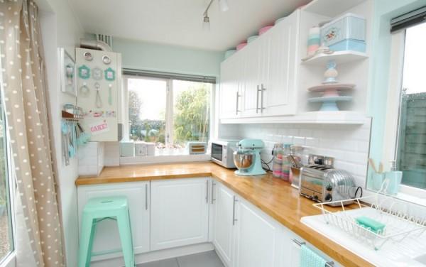 Jak urządzić małą kuchnię? fot.: Torie Jayne
