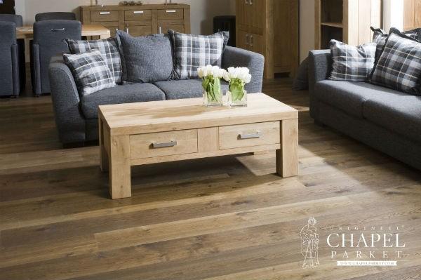 Salon drewniana podłoga