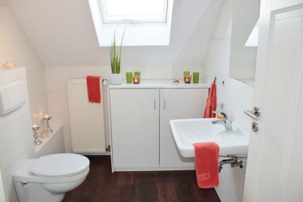 Podłoga w łazience drewno