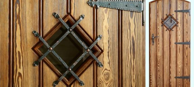 Estetyczne i zdrowe drzwi sosnowe